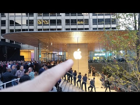 APPLE STORE CHAOS