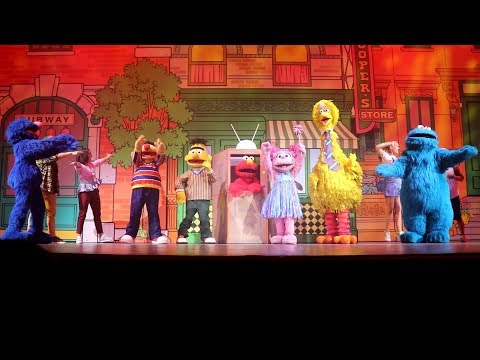 🎶🎉 Sesame Street Elmo's TV Time Full Show at Universal Studios Singapore 2018