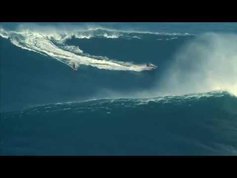 Surfowanie Na 30 Metrowych Falach