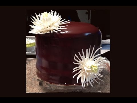 Cake Decorating Chocolate Piping : White Chocolate Mum Cake- Cake Decorating - YouTube
