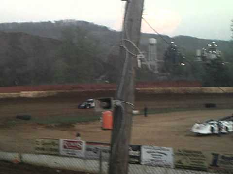 Lake Cumberland Speedway 4-9-11 Modified Qualifying