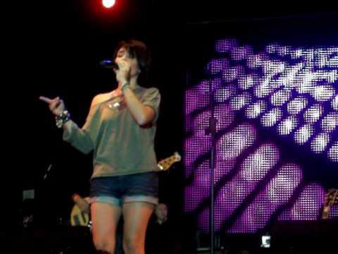 Kany Garcia-Estigma de Amor en Coamo