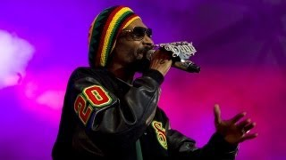 Snoop Dogg Transforms Into Snoop Lion