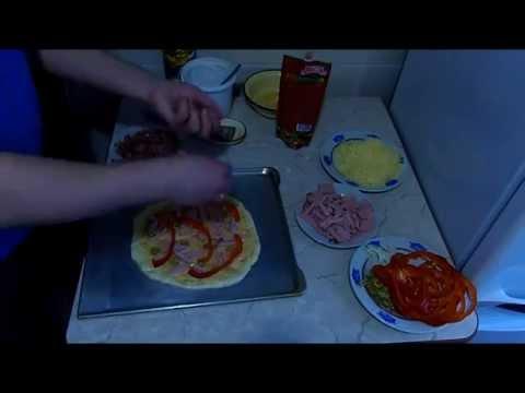 При какой температуре выпекать пиццу :: при скольки