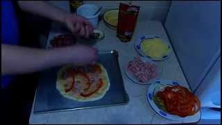 Пицца в духовке рецепт(Пицца в духовке видео рецепт Рецепт приготовления пиццы, которым я хотел поделиться. Ингредиенты: Тесто..., 2014-03-13T15:54:19.000Z)
