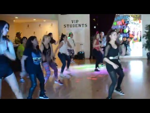 Selena DISCO MEDLEY- ZUMBA WARM-UP ROUTINE