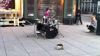Baard Kolstad plays drums @ Karl Johan 02.07.11