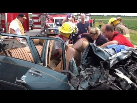 Witnesses Claim Miracle Man Saved Car Crash Victim With Prayer | ABC World News Tonight | ABC News