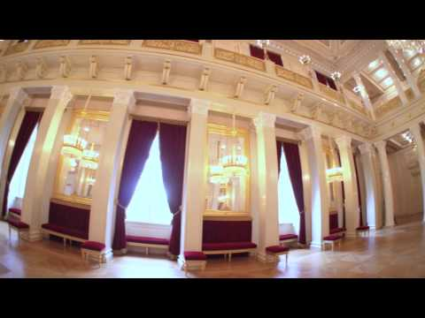 Guided tours of the Royal Palace