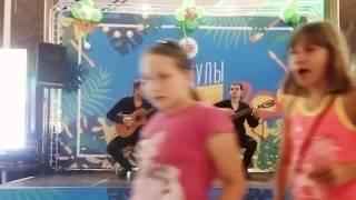 """Виртуозы гитары - """"Mama Mia"""". Красавчики!!!"""