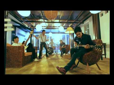 Video Official EvoLet - Dengarkan