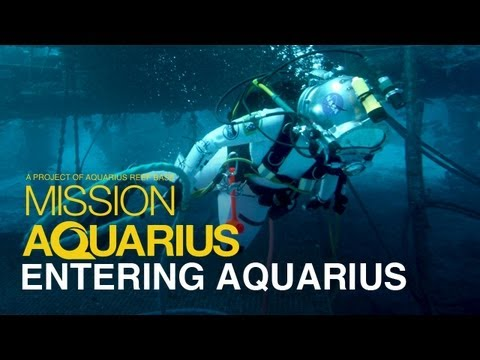 ENTERING AQUARIUS - Undersea Laboratory Tour - YouTube