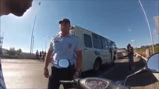 видео Должны ли владельцы скутеров получать водительские права