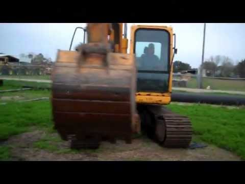Hyundai 140 Excavator for Sale at Unreserved Auction March 7, 2012