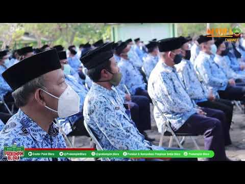 Video Bupati Lantik Ratusan Pejabat Pemkab Di Taman Makam Pahlawan