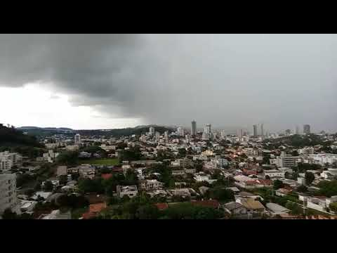 Forte Temporal chegando em Francisco Beltrão na tarde desta quinta-feira dia 16/1/2020.