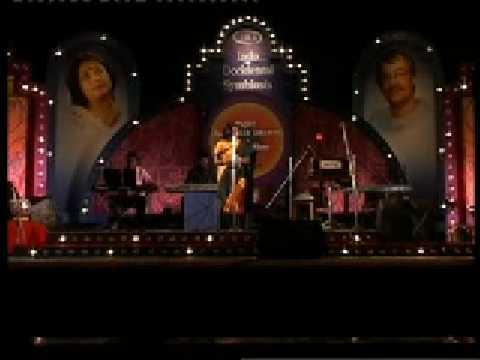 Jare Jare Fire Jare- Subhamita Live At Kalamandir In Malayalam & Bengali