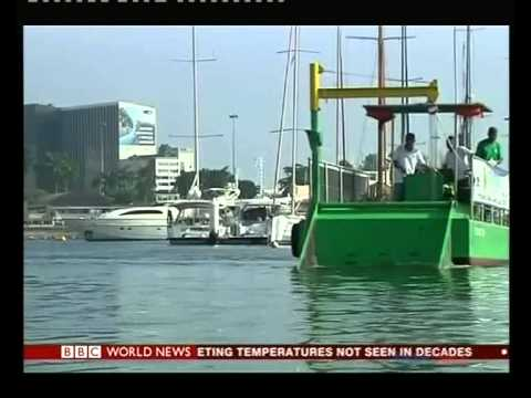 'Eco-boats' clean-up Rio waters ahead of 2016 Olympics