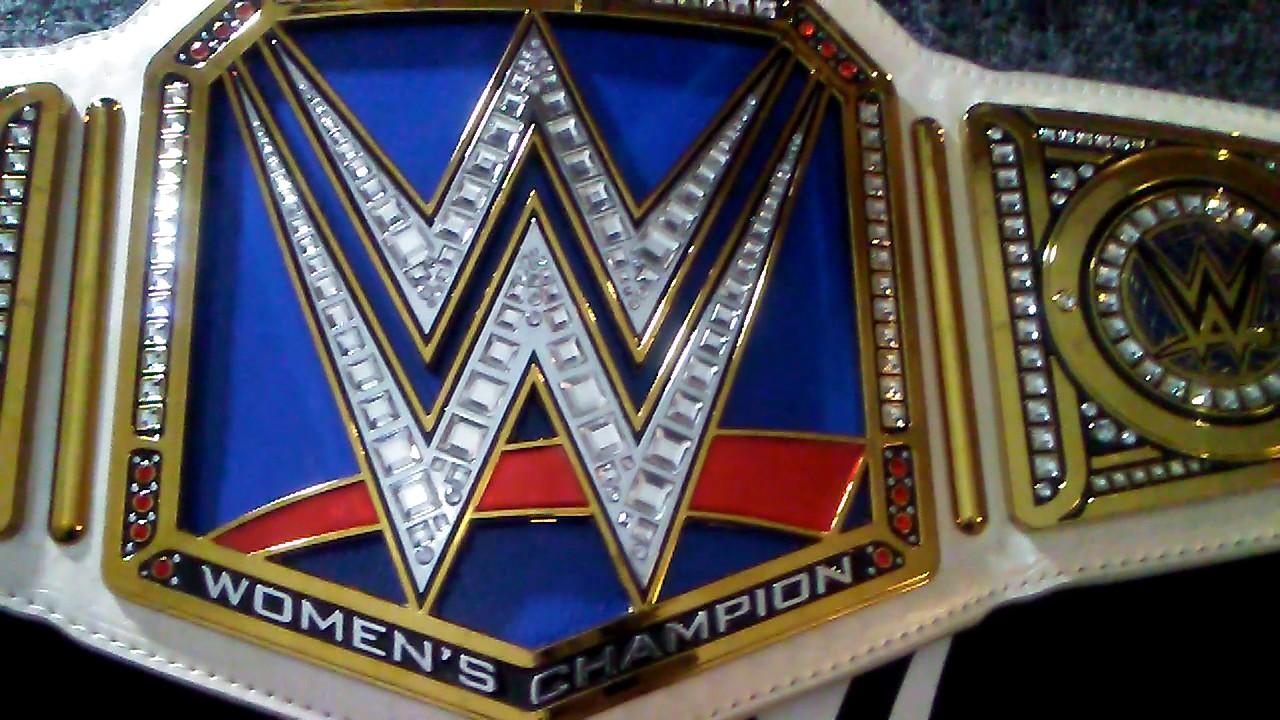 WWE Smackdown Womens Championship Commemorative Title Belt