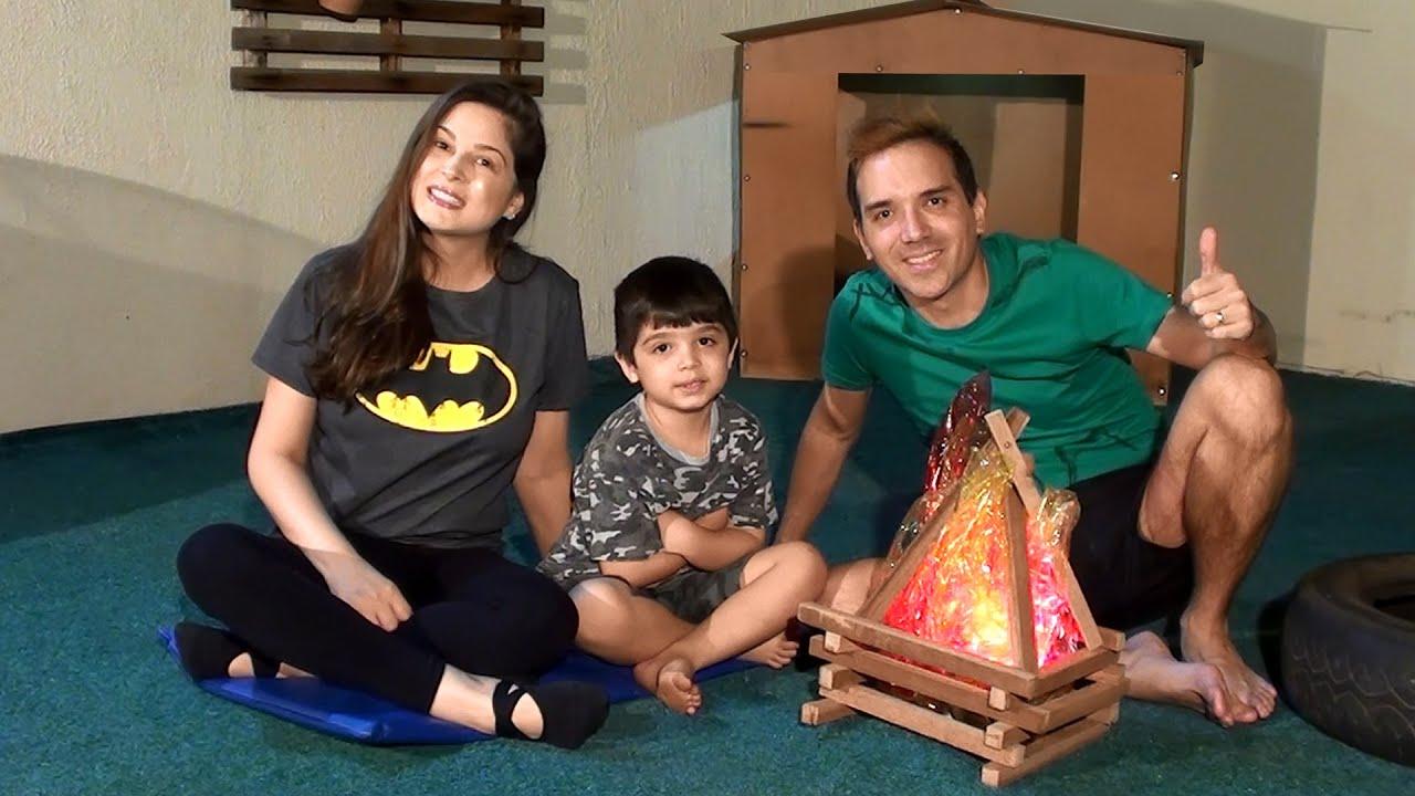 Família Aranha no Acampamento! Vlog do Nosso dia de Montagem da Barraca, Fogueira e Cenário!