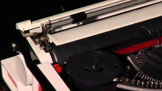 Зарядка ленты в пишущую (печатную) машинку(, 2014-11-10T22:22:01.000Z)