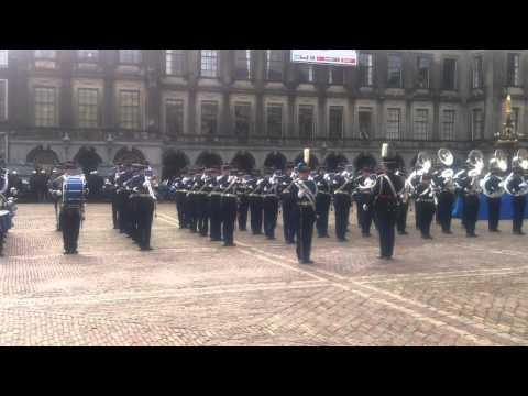 Marechaussee op het Binnenhof 1.