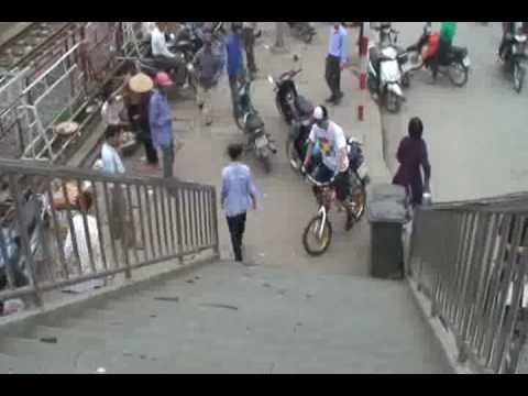 Clip xe dap nhao lon(part 2)