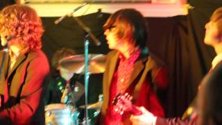 She Does It Right (Dr Feelgood) The Strypes with Wilko Johnson and John B Sparkes