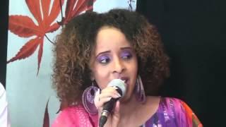 Repeat youtube video Abdifataax Yare Iyo Ikraan Caraale: Muhashada Dareenka