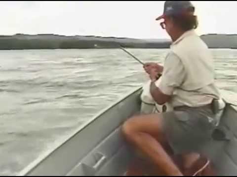 Pescaria de dourado no Rio Grande pela Pesca & Companhia