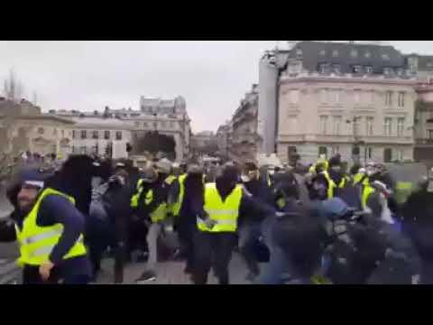 باريس تخترق و الرئيس الفرنسي يطلب من عبد المجيد تبون محاورة ما تبقى من حراك ؟؟