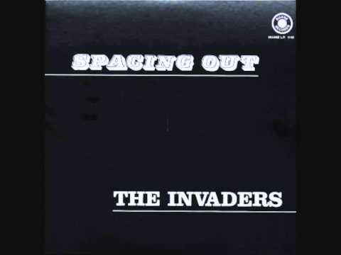 Spacing out (Bermuda, 1970) de The Invaders