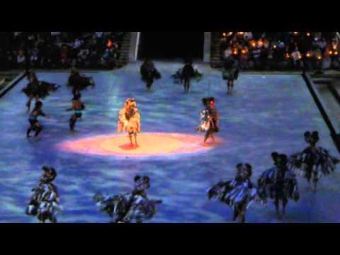 Juego de pelota maya xcaret canc n m xico youtube for Espectaculo nocturno de xcaret