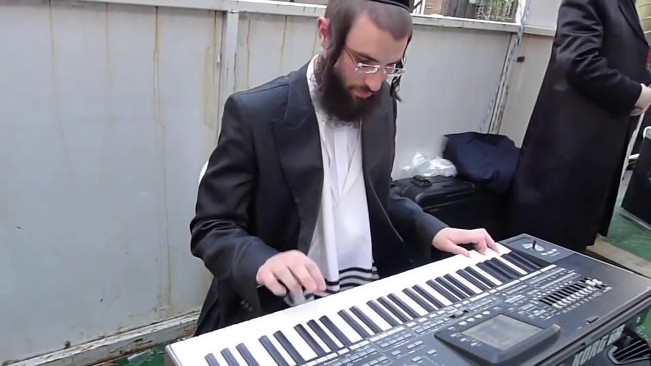 Jews Dancing to 'I Got Bitches' - A2M