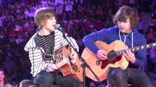 �������� ���� Justin Bieber - One Time (Live @ WE Day Toronto 2009) ������