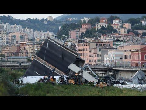 إيطاليا: فرق الإنقاذ تواصل البحث أملا في العثور على ناجين من كارثة انهيار جسر  - نشر قبل 3 ساعة