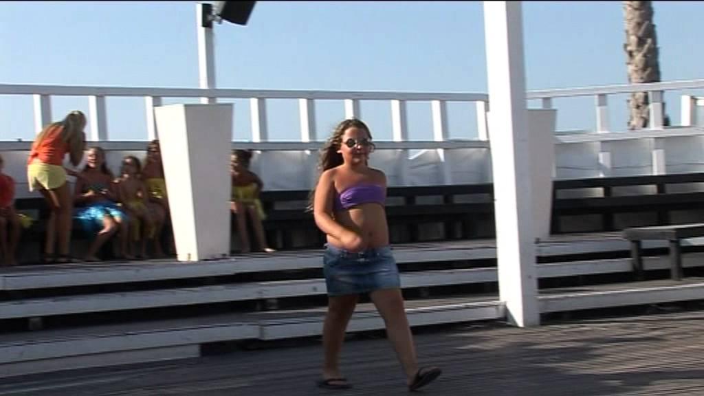 Marano Beach Riccione - Spiagge 134 - 135 - 136.MPG - YouTube