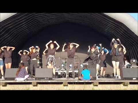 CHOI'S DANCE - Christmas Wonder Park 2019 K-pop Performance