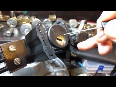 Взлом отмычками Mul-T-Lock MT5+  Mul-T-Lock MT5+ (sort of) - Pick and Gut (MT5+ with 4 chambers not pin-in-pin)