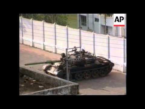 Bangladesh - Tanks Guard Presidential Palace