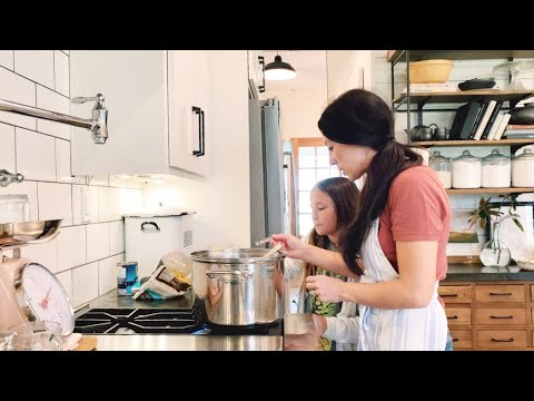 spinach-tortellini-soup-with-joanna-gaines-|-magnolia-table,-vol.-2