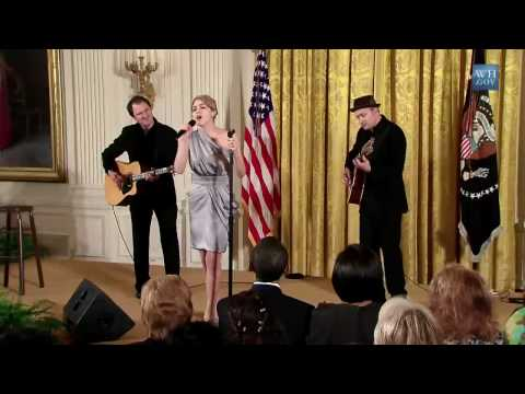 Katharine McPhee - Surrender (live at the White House for International Women's Day)