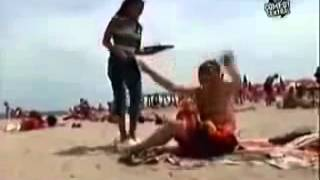 Скрытая камера на пляже. Такого вы не видели )