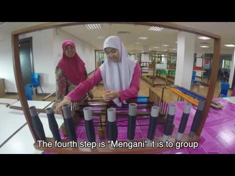 Brunei Arts and Handicrafts Training Centre; Weaving