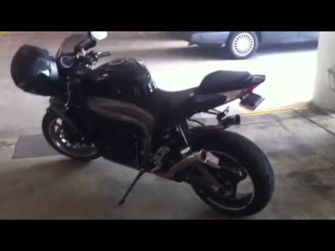 Suzuki Gsxr With Akrapovic Gp Series Silencer Walk Ar