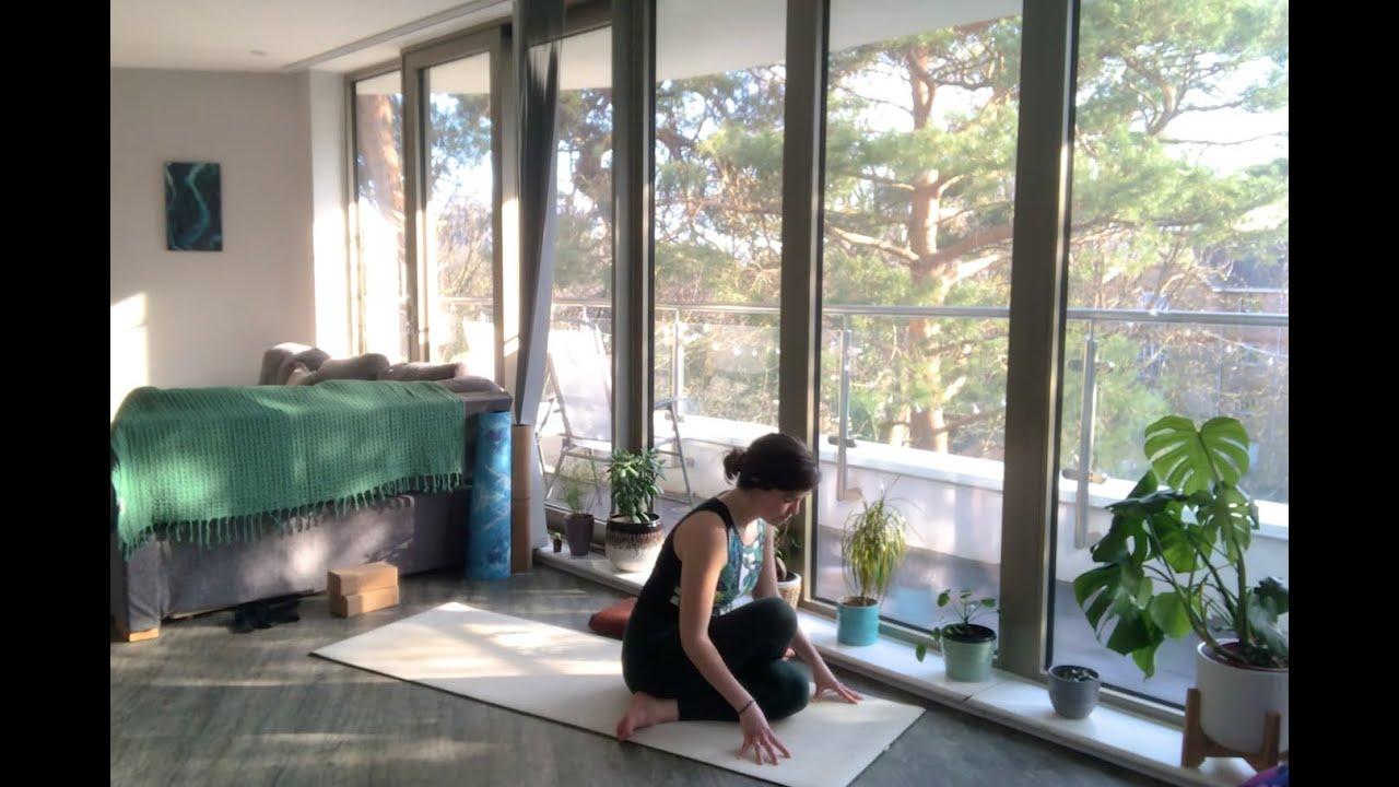 45min Gentle Flow & Yin Yoga