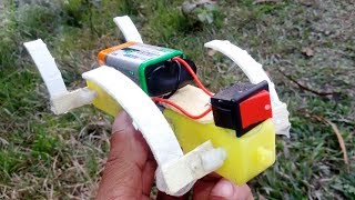 Crabs Attack a Cat -  How to make a crabs robot using gear motor