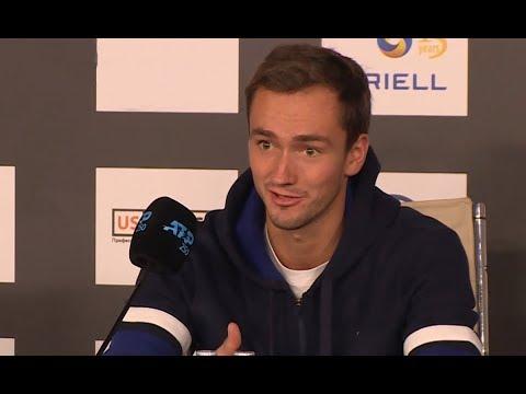 Теннисист Даниил Медведев вышел в 1/4 финала St.Petersburg Open