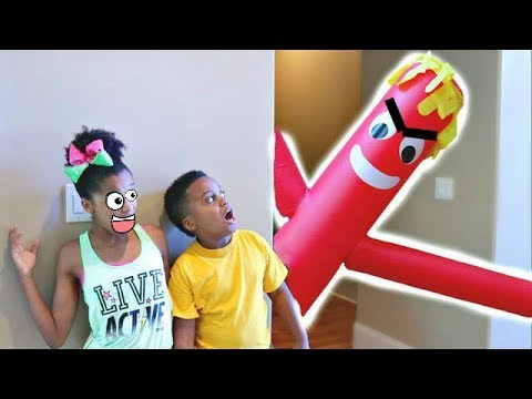 Thumbnail: GIANT RED BALLOON MAN vs Shiloh and Shasha - Onyx Kids