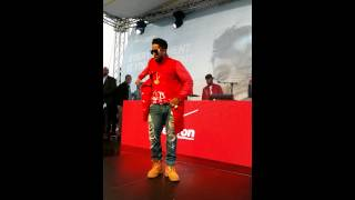 Omarion dancing in Chicago